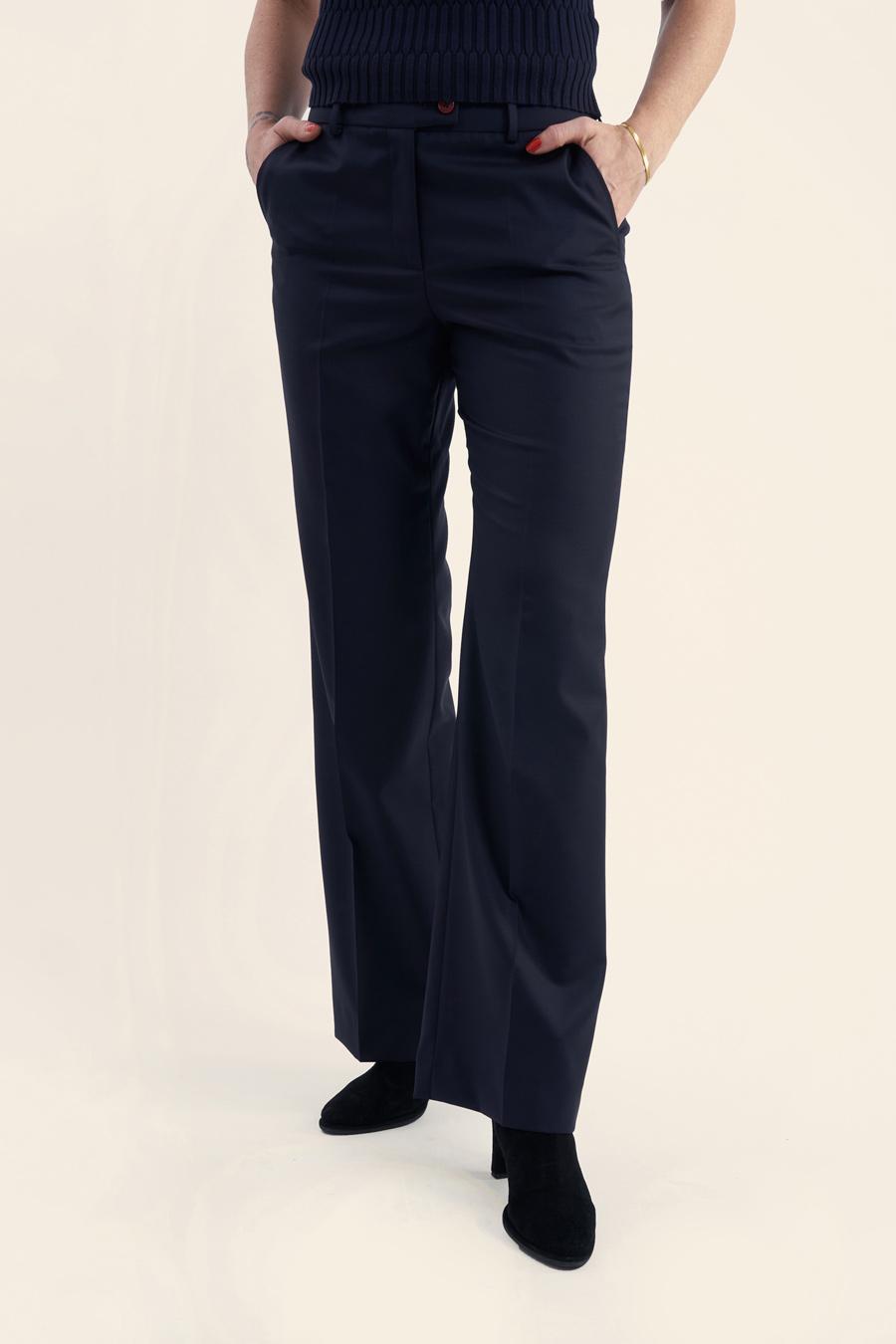 "Featured image for ""Dark Blue Fine Wool Dame Buks"""